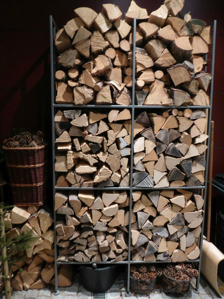 firewood-268240_1280.jpg